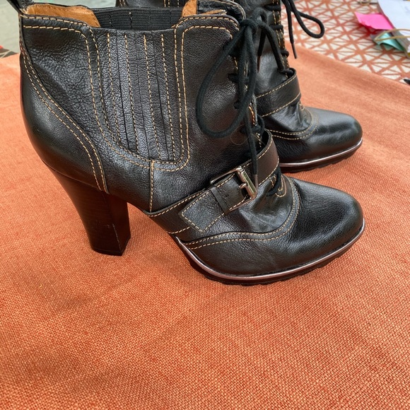 New Tag From Dillards Black Ankle Boots